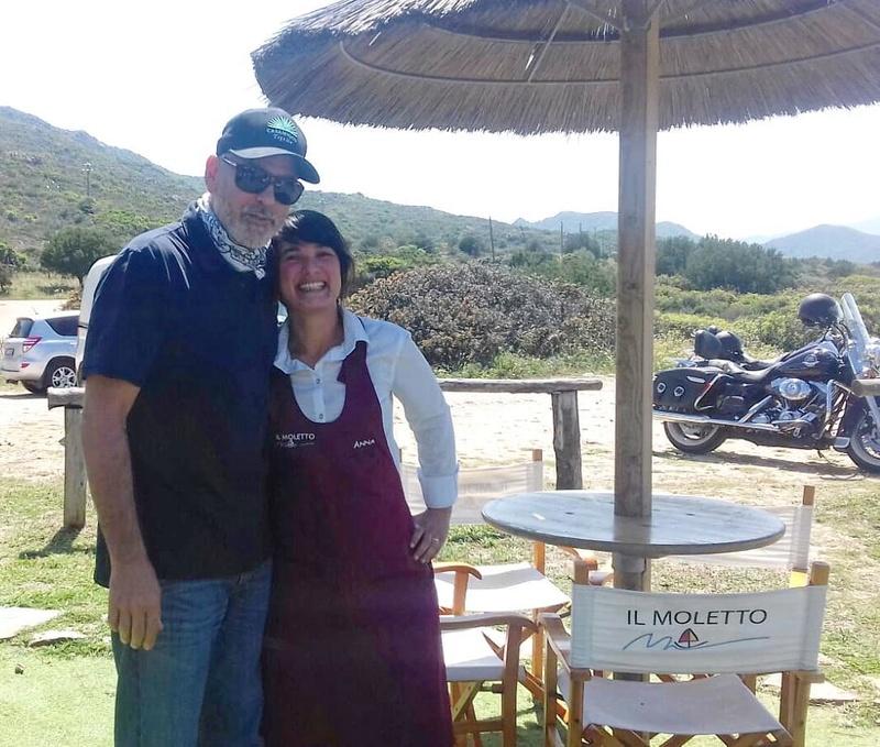 George back in Sardegna Il_mol10