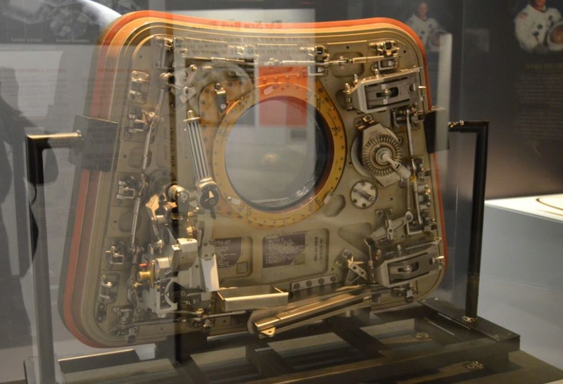 Apollo 11 Command Module at St. Louis Science Center 3_115