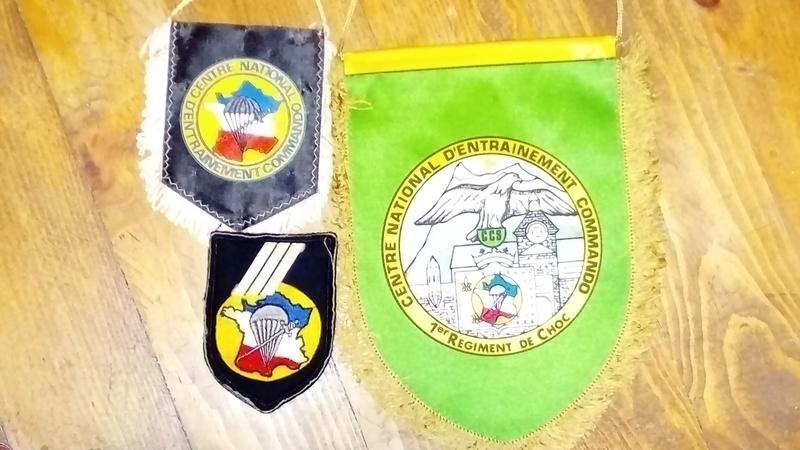 Les isignes du C.N.E.C. Dsc_2325