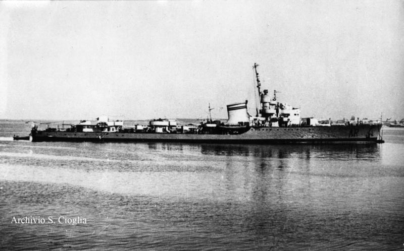 Destroyers italiens (Cacciatorpedinière) - Page 2 4_arti10