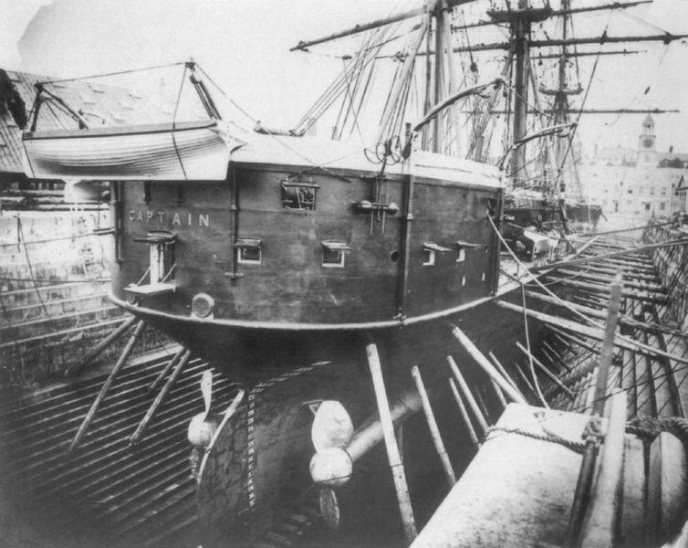 Les premiers cuirassés britanniques 1860-1889 Captai11