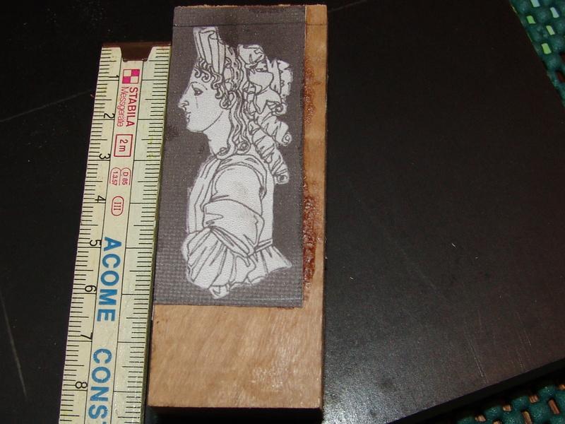 Découpe et la sculpture d'une figurine de proue Dsc00014