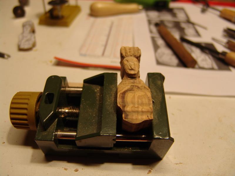 Découpe et la sculpture d'une figurine de proue Dsc00019