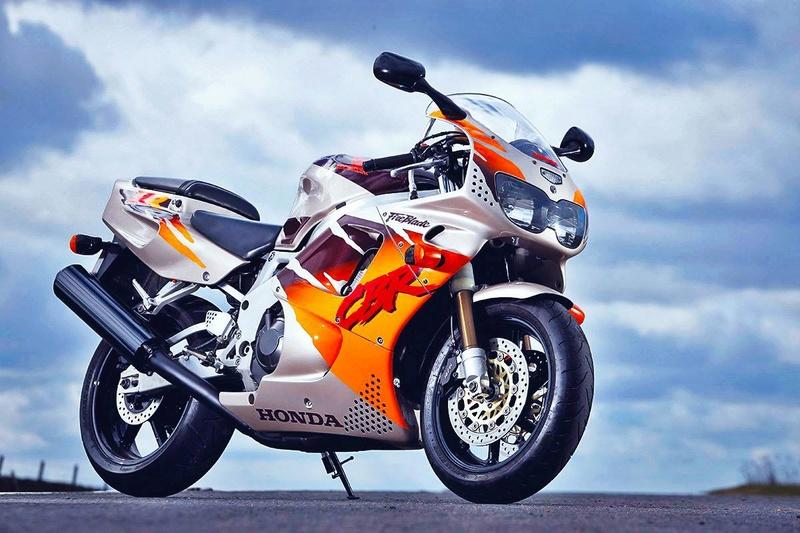 Honda 900 CBR - Page 7 23550210