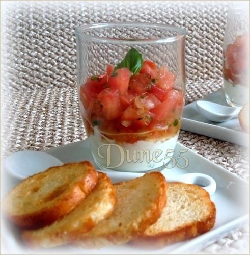 Verrines fromage et concassé de tomates 211