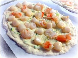 Pizza aux fruits de mer sauce à la crème Dpqqw210