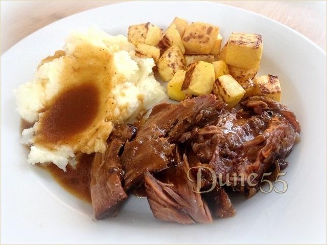 Boeuf braisé à l'oignon et purée de pommes de terre au bacon Trychr11