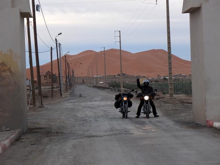 Voyage dans le temps: un petit mono au Maroc Dscf5611