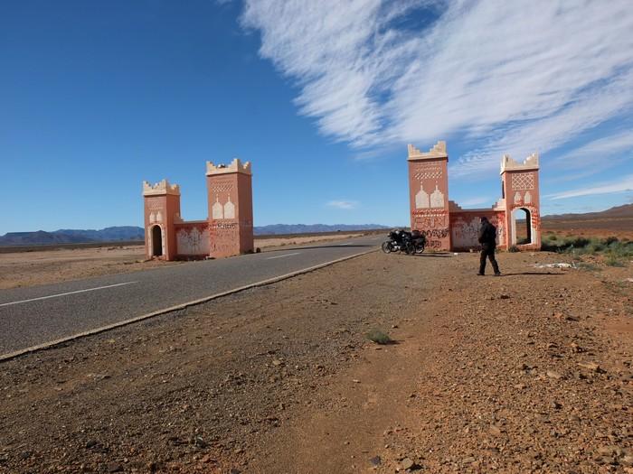 Voyage dans le temps: un petit mono au Maroc Dscf5613