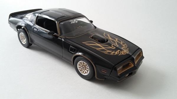Pontiac Firebird 77 210