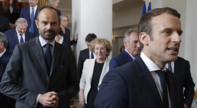 Rubrique De tout et de rien ! - Page 2 Macron10