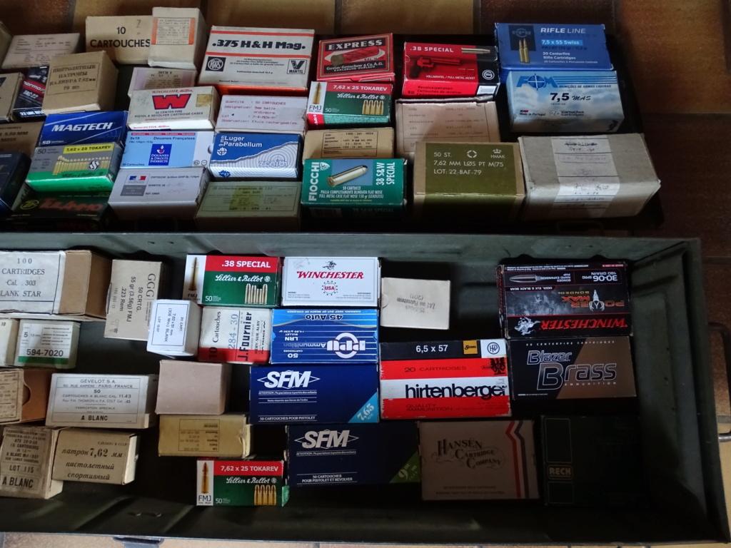 collection de boîtes vides Dsc08715