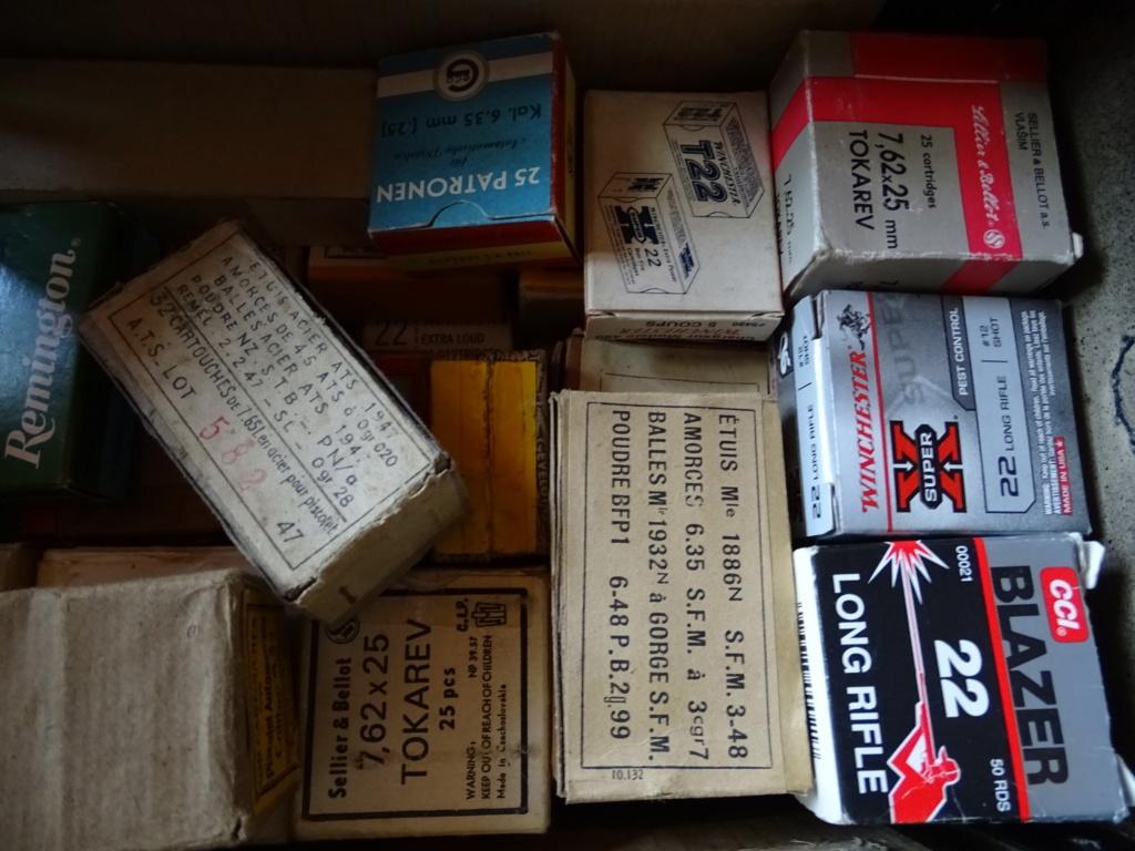 collection de boîtes vides Dsc08716