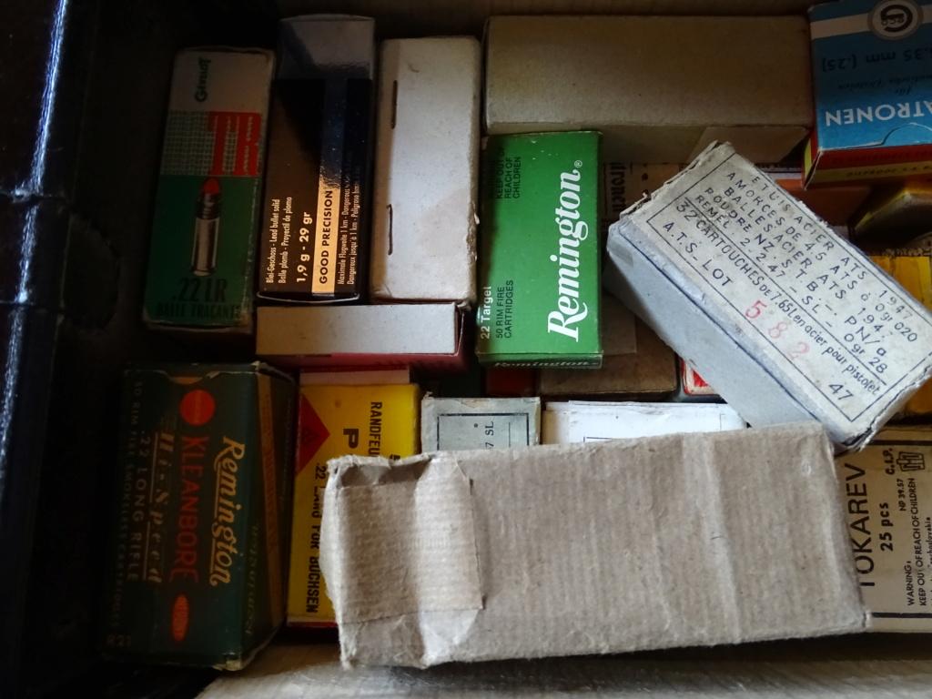 collection de boîtes vides Dsc08717