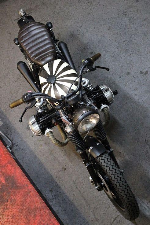 PHOTOS - BMW - Bobber, Cafe Racer et autres... - Page 14 Fcfff110