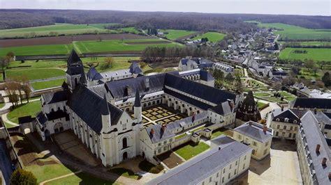 Saumur et son cadre noir Im_php10