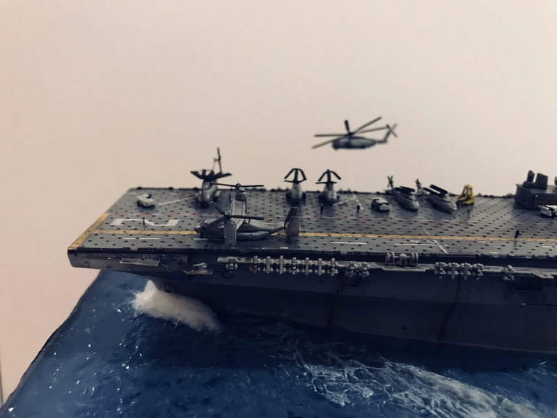 USS Essex Hobby boss 1/700 348ce010