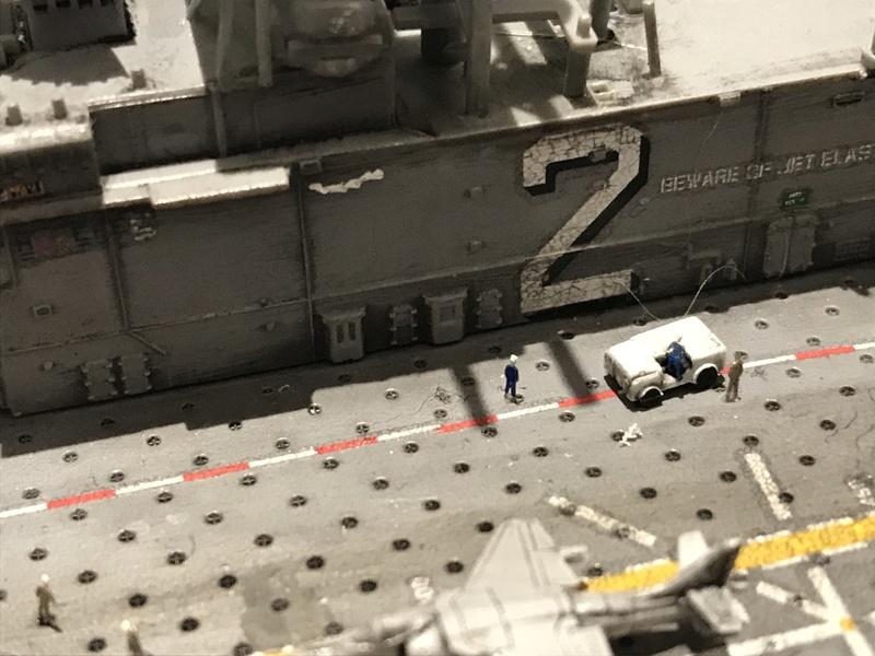 USS Essex Hobby boss 1/700 74440d10