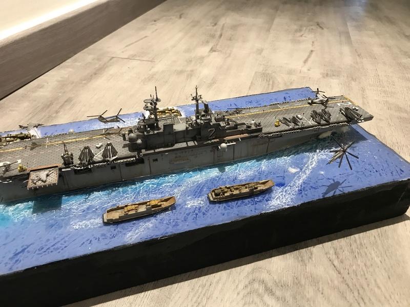 USS Essex Hobby boss 1/700 84e54d10