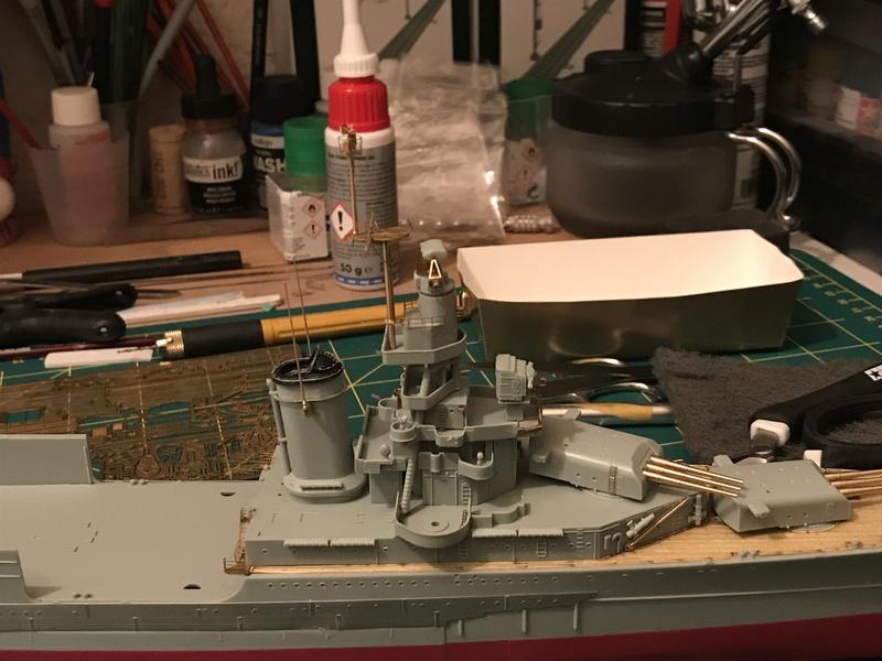 USS Indianapolis academy premium édition 1/350 Termine le29 /03/18 - Page 2 C95d1010