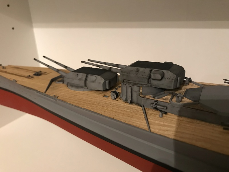 Bismarck 1/350 tamiya UP le 30/01/2018 montage terminé  E28c0310