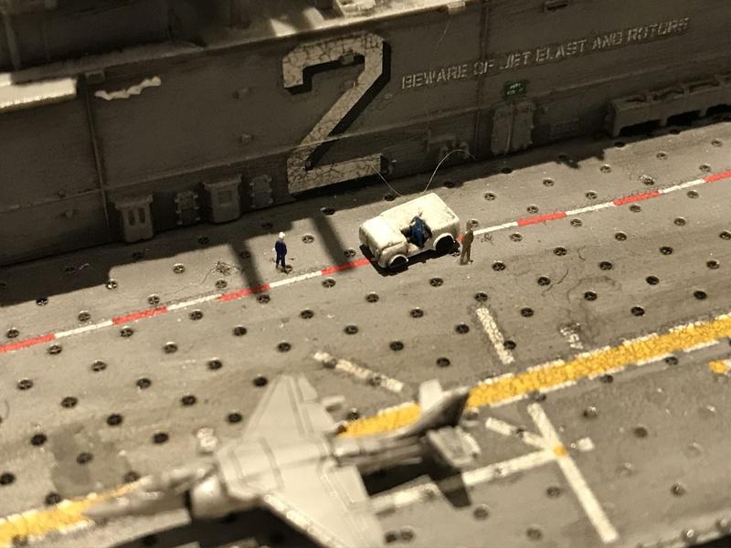 USS Essex Hobby boss 1/700 F4c8f110