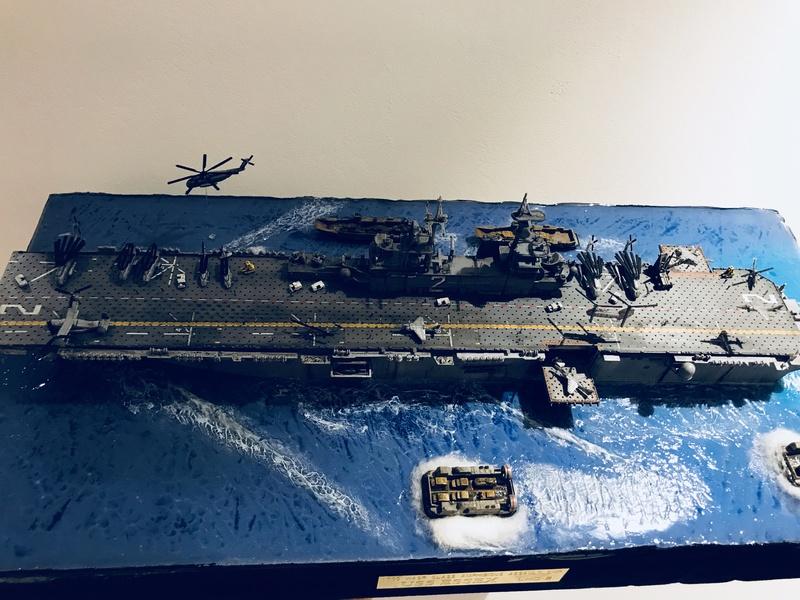 USS Essex Hobby boss 1/700 F7a8ed10