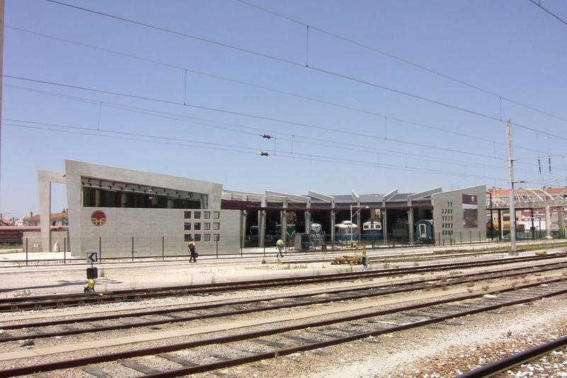 A la recherche des rotondes ferroviaires - Page 4 Rotond18