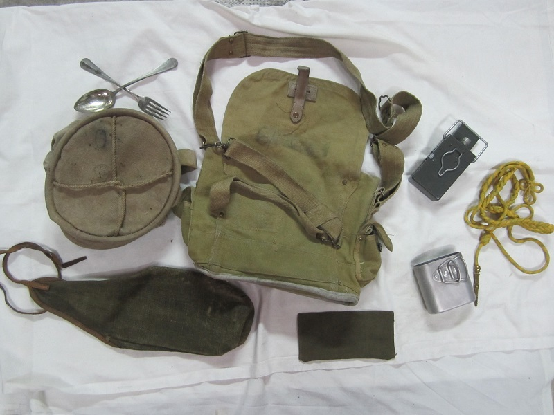 Lot France 40, musette ANP31, lampe, quart, sceau, couverts, petits équipements...-ESC Déc 2 - A CLOTURER MERCI Img_5617