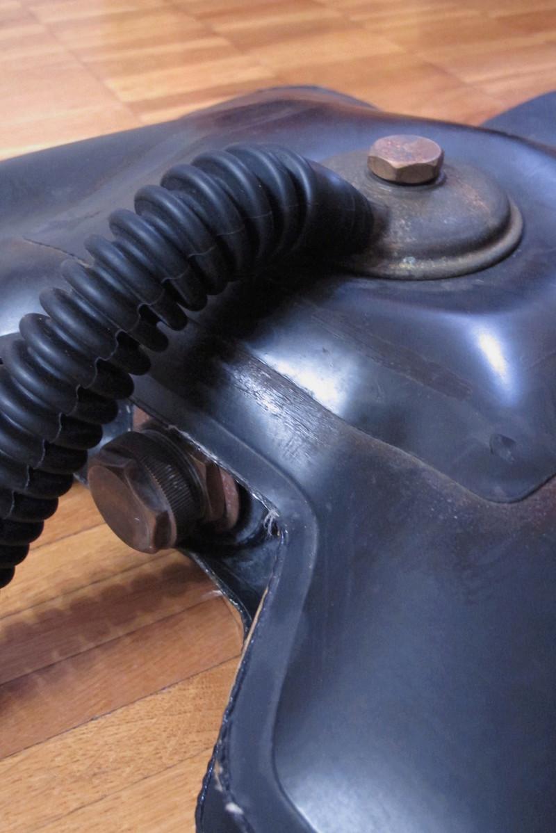 L'ultime sursaut du recycleur oxygène pendulaire de tradition italienne: un poumon en PVC soudé. Img_0013