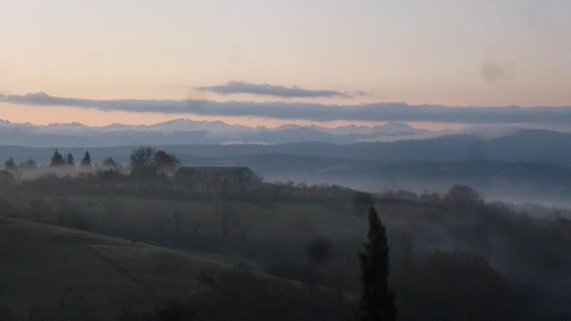 Vues de la fenêtre de notre chambre dans l'Ariège P1060915