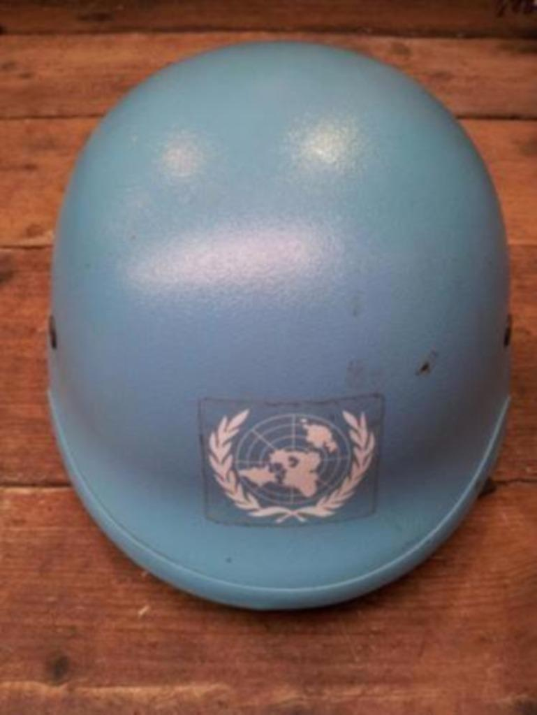 Dutch Army Kevlar helmet Un110