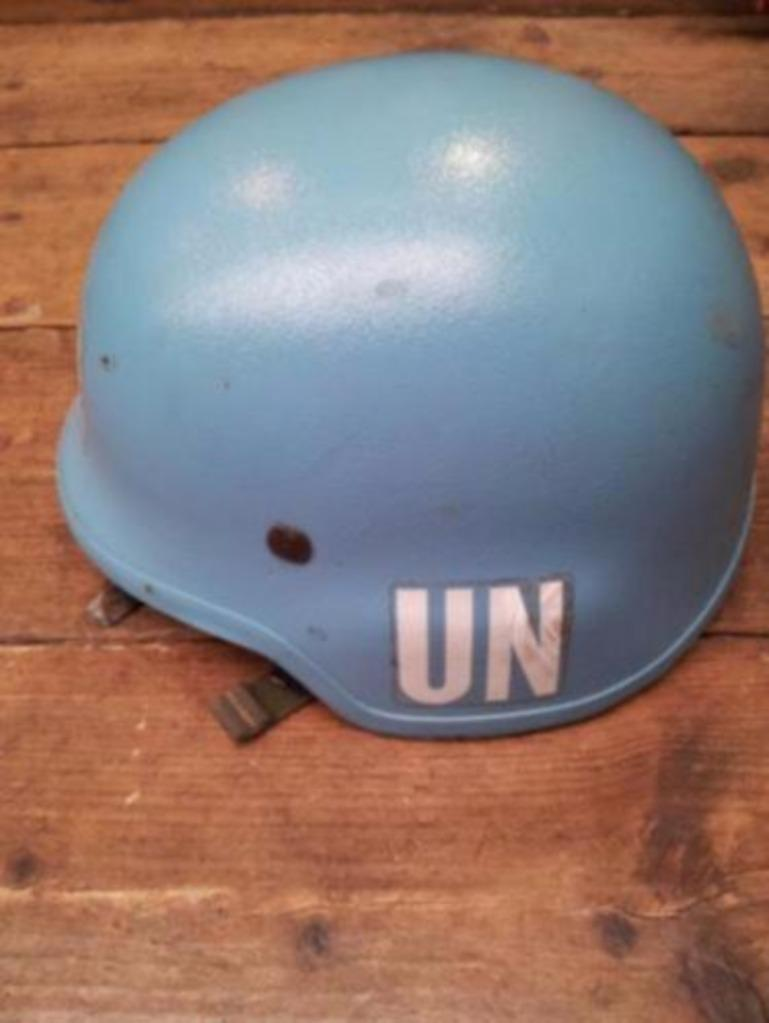 Dutch Army Kevlar helmet Un210