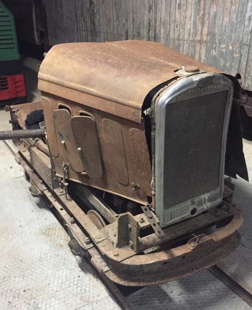 Locotracteur motorisé par un bloc moteur/boîte 201 Peugeot Img_3310