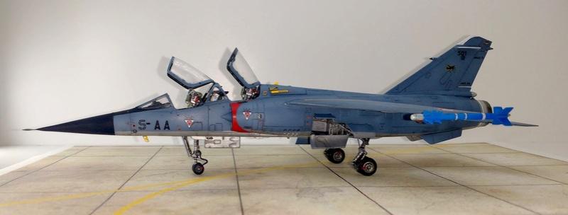Mirage F1B [Special Hobby 1/72 + Berna + Res-Kit] Img_2054