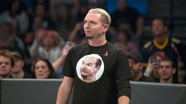 [Contrat] La belle histoire se termine pour un lutteur de la WWE James_10