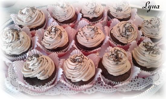 Cupcakes au chocolat et babeurre Cupcak10