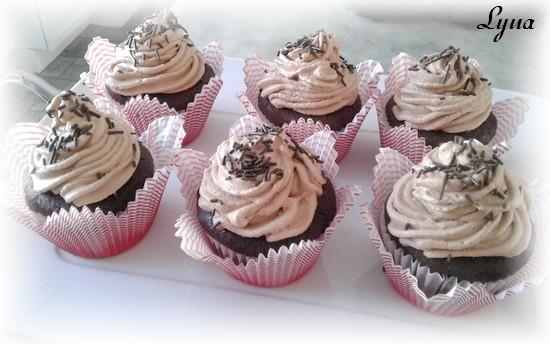 Cupcakes au chocolat et babeurre Cupcak11