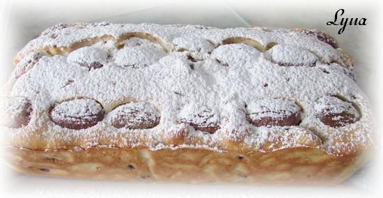 Pain-gâteau aux raisins frais et graines de pomme grenade Pain_r12