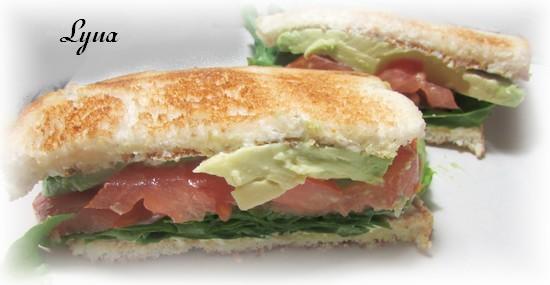 Sandwich tomates et avocat Sandwi11