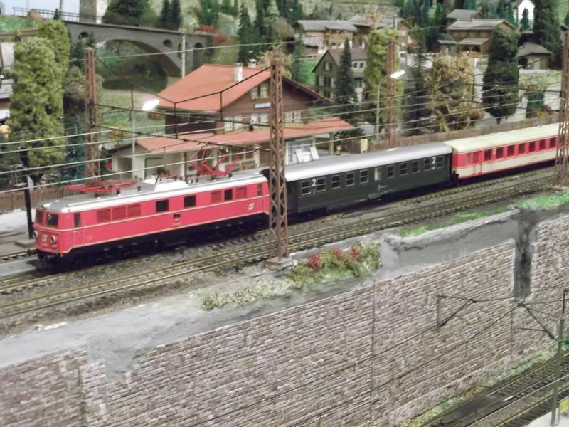 Züge der ÖBB so zwischen etwa 1970 und 1980 Dscf0710