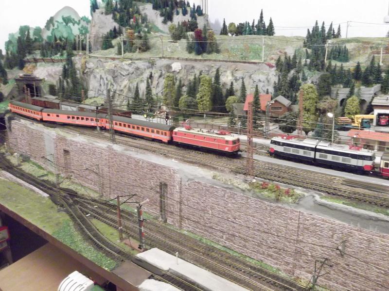 Züge der ÖBB so zwischen etwa 1970 und 1980 Dscf2012