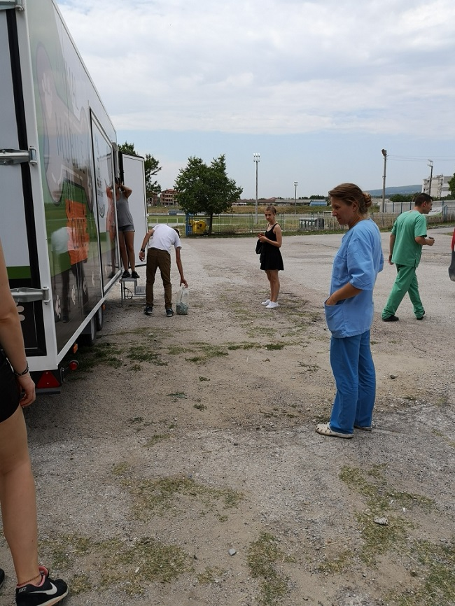 Stérilisation animaux errants à AKSAKOVO - 30 mai au 8 juin 2018 Equipe11