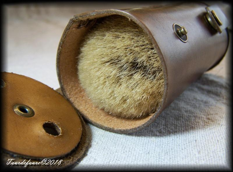 Les cuirs de Laurent - Page 21 100_5624