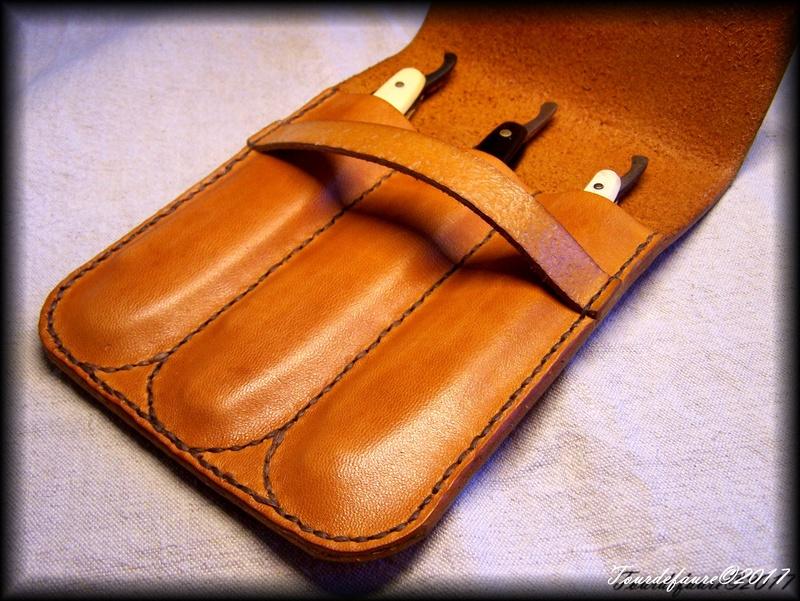 Accessoires en cuir pour le rasage - Page 15 Pochet15