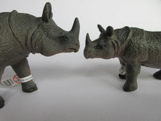The Javan rhino from Bullyland :-) Img_1222