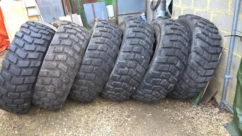 Quels pneus pour mon 1300 L  ? Wp_20124