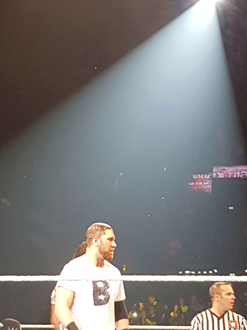 PHOTOS WWE LIVE EVENT PARIS 2018 Curtis10