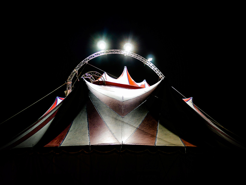 Tiens? Un cirque! P1080410