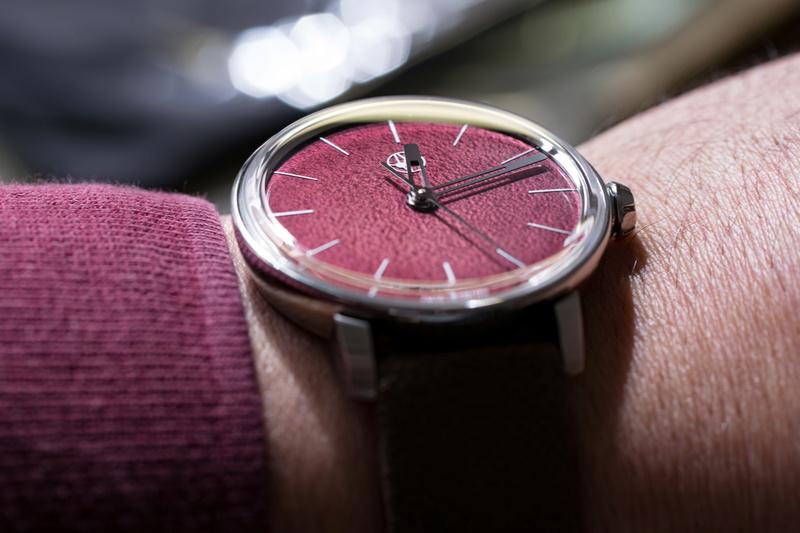 Lundis Bleus, la plus belle journée horlogère de ma vie de passionné... - Page 2 Ref11010
